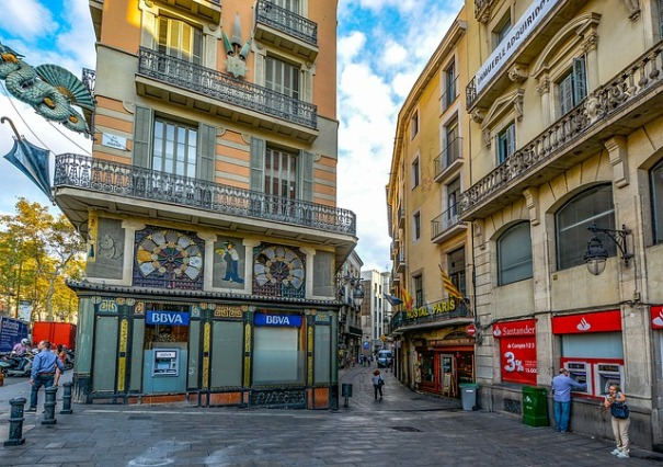 barcelona-1973233_640